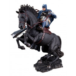 BATMAN THE DARK NIGHT RETURNS MINI BATTLE STATUE