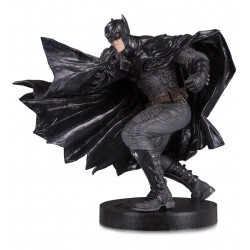 BATMAN BY LEE BERMEJO DC DESIGNER SERIES STATUETTE BLACK LABEL 23 CM