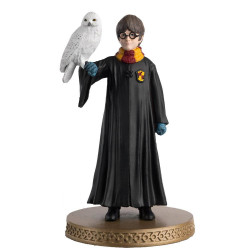 HARRY POTTER AND HEDWIG WIZARDING WORLD FIGURE COLLECTION