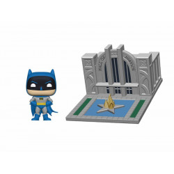 BATMAN AND HALL OF JUSTICE BATMAN 80TH POP! TOWN VINYL FIGURE