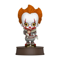 A CHAPITRE 2 FIGURINE COSBABY PENNYWISE WITH BROKEN ARM 11 CM