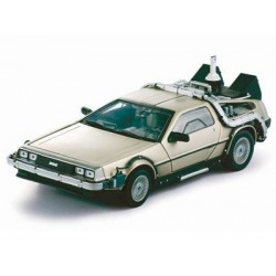 BACK TO THE FUTURE II DELOREAN 1:18
