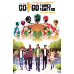 GO GO POWER RANGERS TP VOL 7