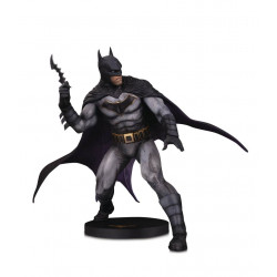 BATMAN BY OLIVIER COIPEL DC DESIGNER SERIES STATUETTE 28 CM