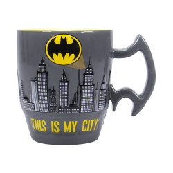 BATMAN MUG EMBOSSED CITY SCENE