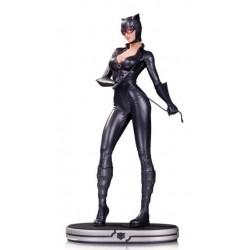 CATWOMAN DC COMICS COVER GIRLS STATUE