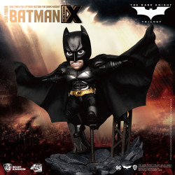 BATMAN THE DARK KNIGHT FIGURINE EGG ATTACK ACTION BATMAN DELUXE VERSION 17 CM
