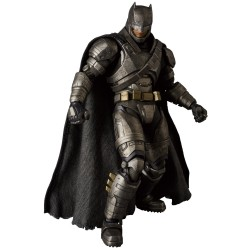 ARMORED BATMAN BATMAN V SUPERMAN MAFEX ACTION FIGURE
