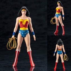 WONDER WOMAN SUPER POWER PVC STATUE