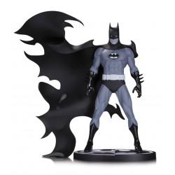 BATMAN BY NORM BREYFOGLE DC COMICS BLACK AND WHITE STATUE