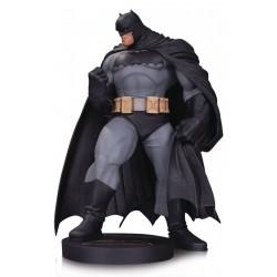BATMAN BY KUBERT DC DESIGNER SERIES MINI STATUE