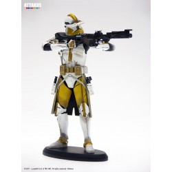 STAR WARS ELITE COLLECTION COMMANDER BLY STATUE