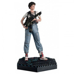 LIEUTENANT RIPLEY FROM ALIENS ALIEN AND PREDATOR FIGURINE COLLECTION NUMBER 32