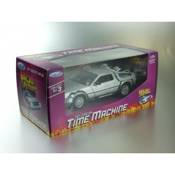 BACK TO THE FUTURE DELOREAN 1:24